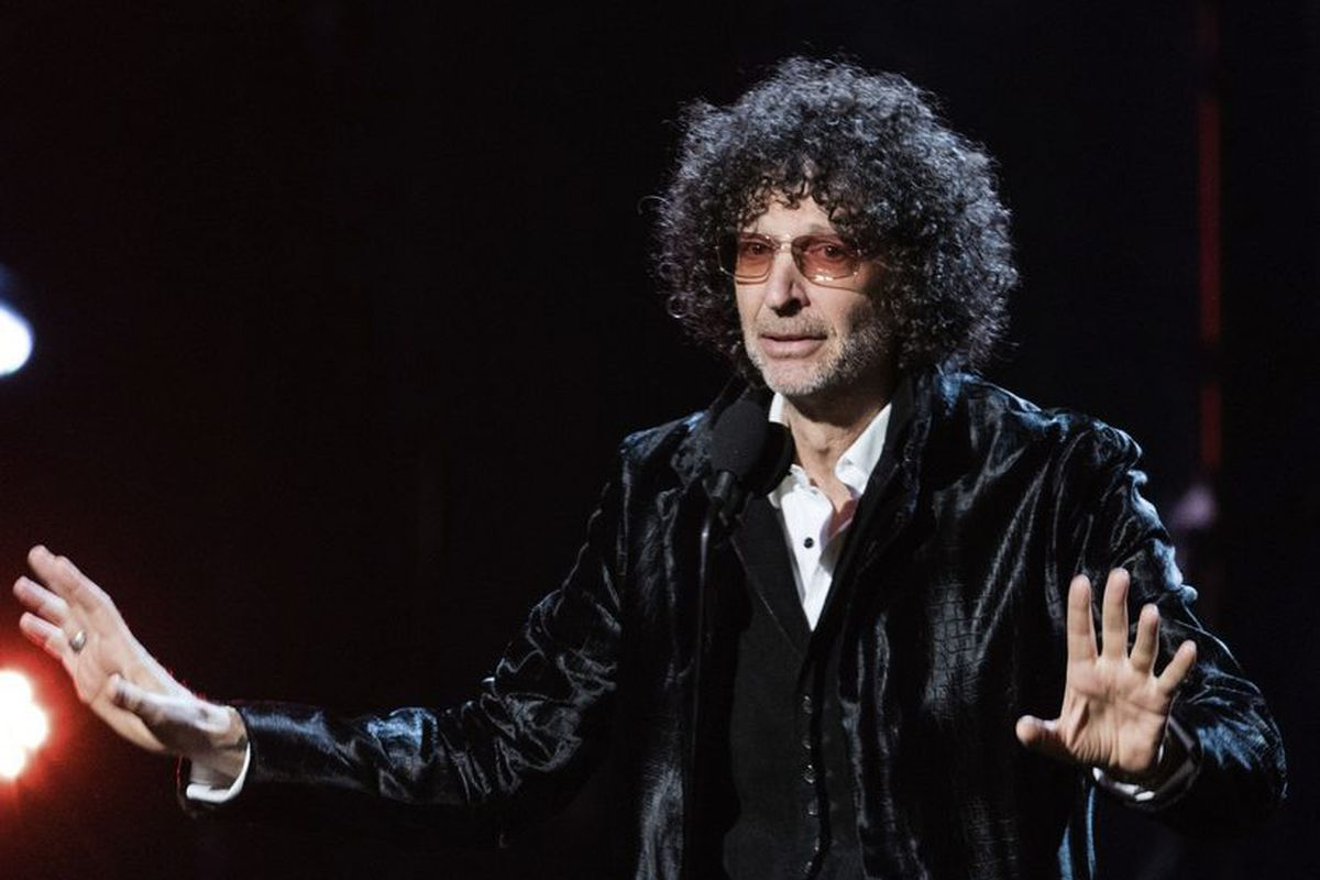 'Howard Stern Comes Again,' Delia Owens' 'Where the Crawdads Sing' top bestselling books list