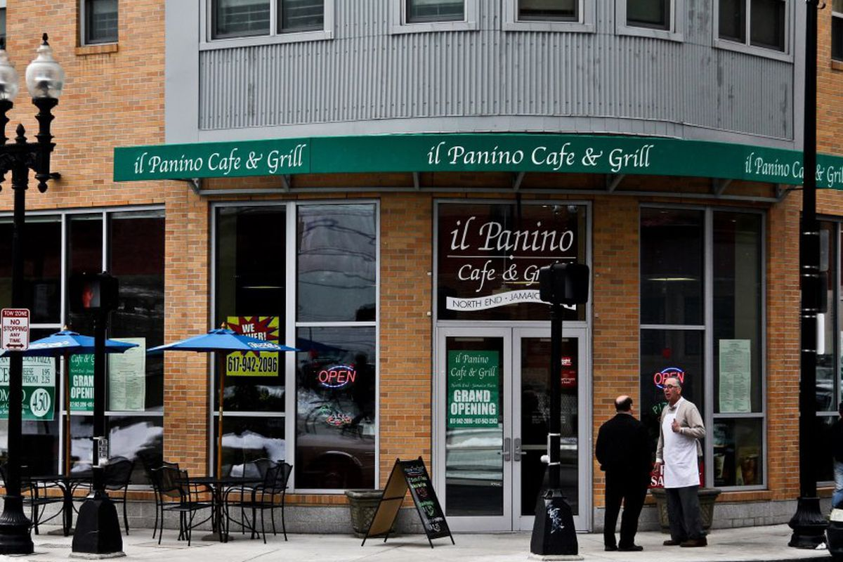 Il Panino Cafe & Grill on Centre Street