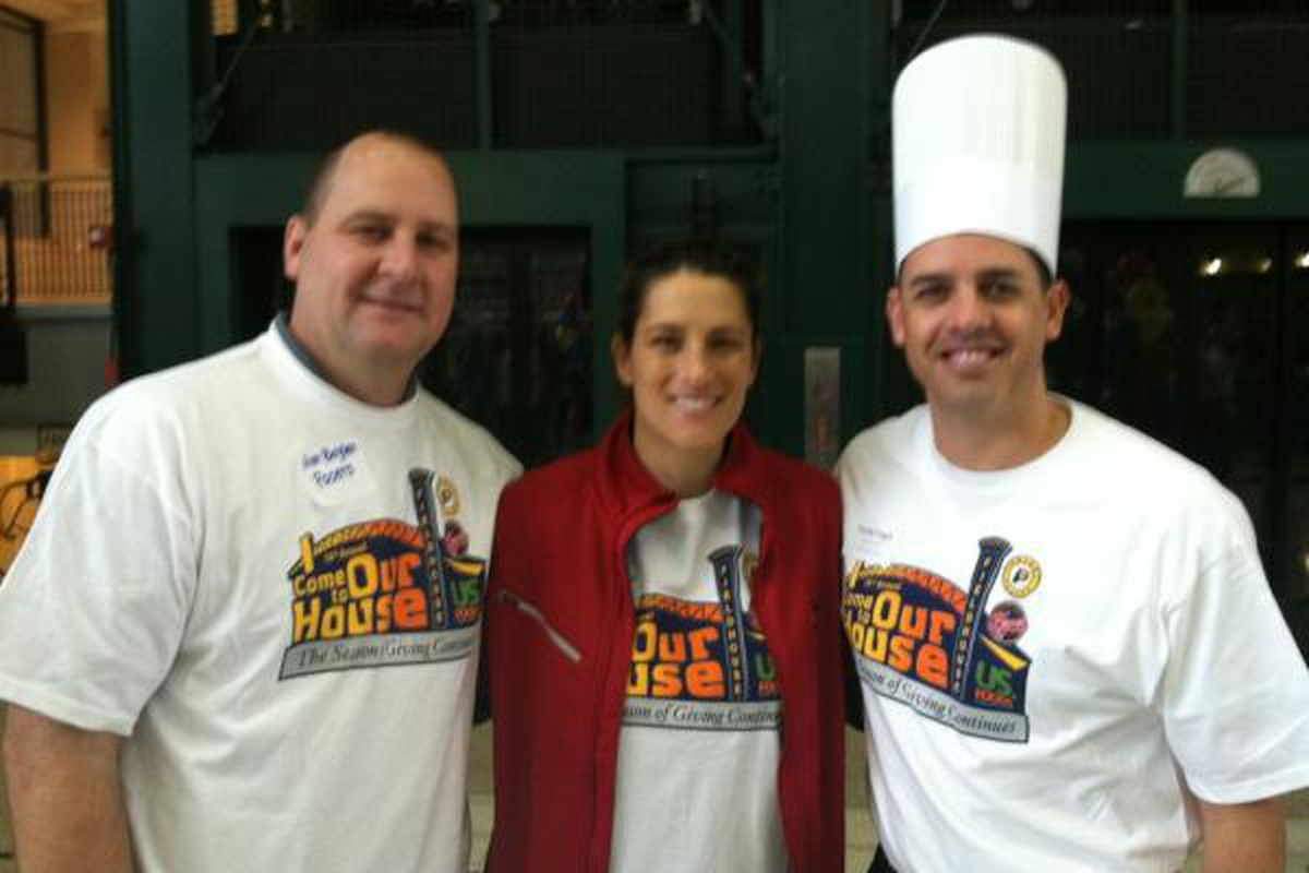 """Coaches turned """"chefs"""" for a day, Jim Boylen, Stephanie White and Frank Vogel <a href=""""https://twitter.com/#!/Pacers"""" target=""""new"""">via @Pacers</a>."""