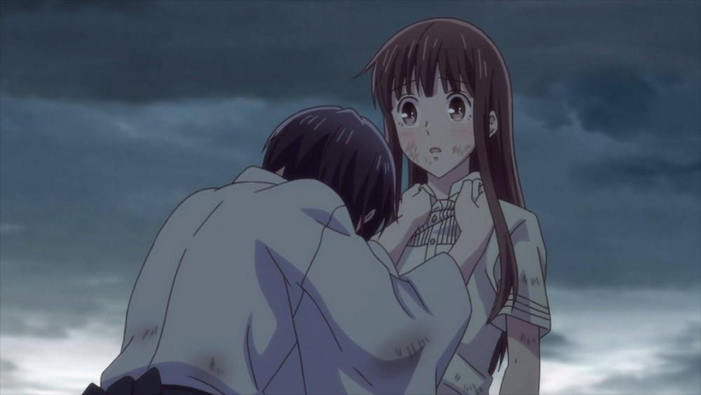 Akito crying and hugging tohru