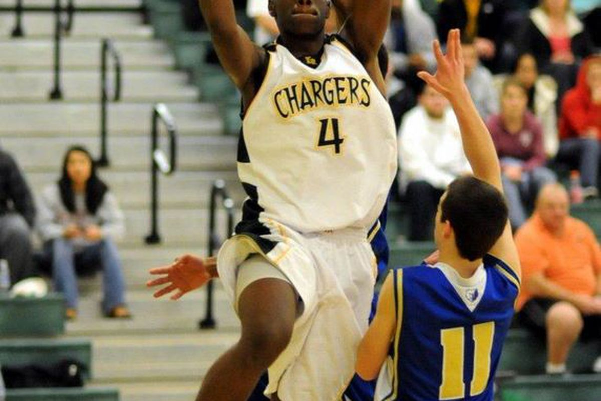 Gary Bell Jr. scored 16 points in his last game against Auburn.  The Kentridge Chargers have a huge game on Saturday against Federal Way.  (photo courtesy of waprepsports.net)