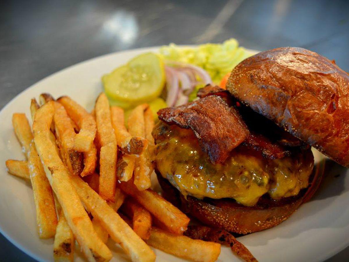 The cheeseburger at Press Street Station