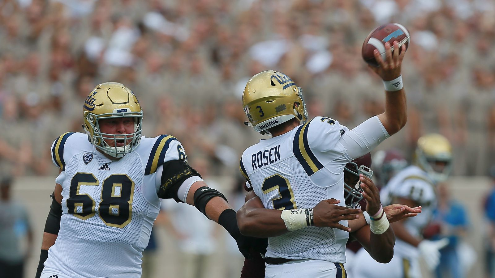 Hear 100 000 Texas A Amp M Fans Chant At Ucla S Qb After His