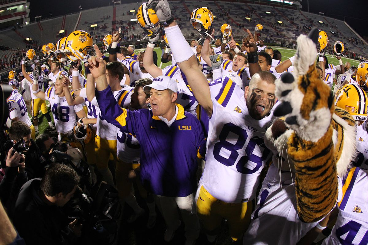 The top-ranked LSU Tigers will celebrate an undefeated regular season and a trip to the SEC championship game if they can beat the third-ranked Arkansas Razorbacks today.