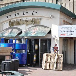 "New ""Audi Club"" signage -"