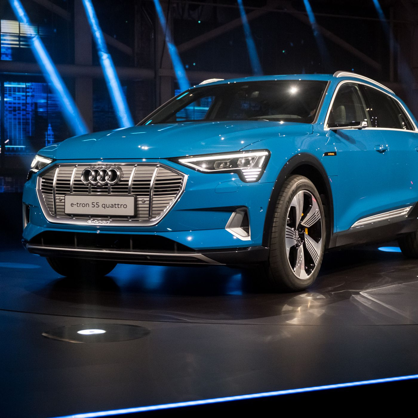 Here S The E Tron Audi S First All Electric Suv The Verge