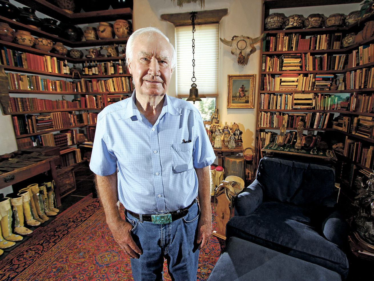 Forrest Fenn poses at his Santa Fe, New Mexico, home in 2014.