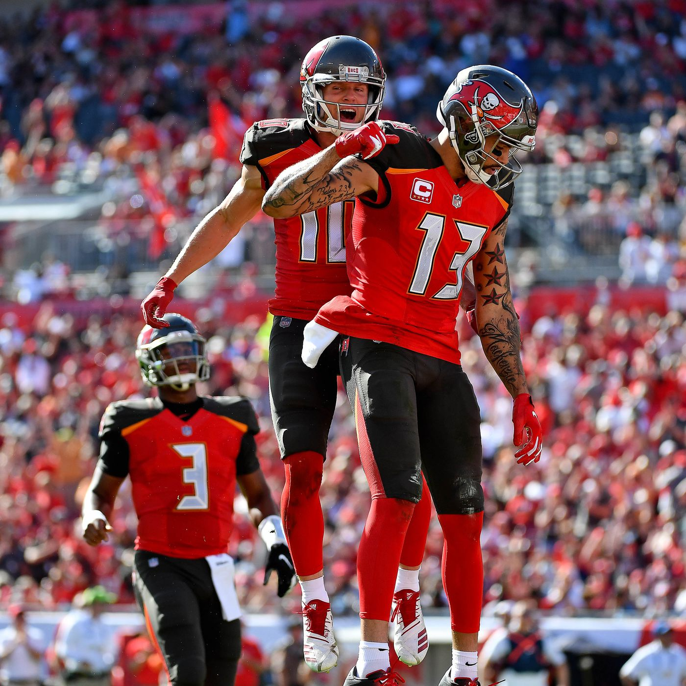 mike evans restructures contract helps bucs save 3 2 million in cap space bucs nation mike evans restructures contract helps