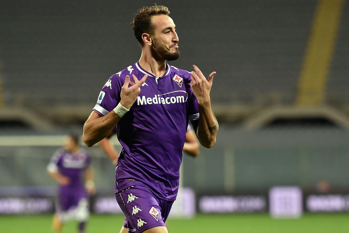 Gaetano Castrovilli of ACF Fiorentina celebrates after...