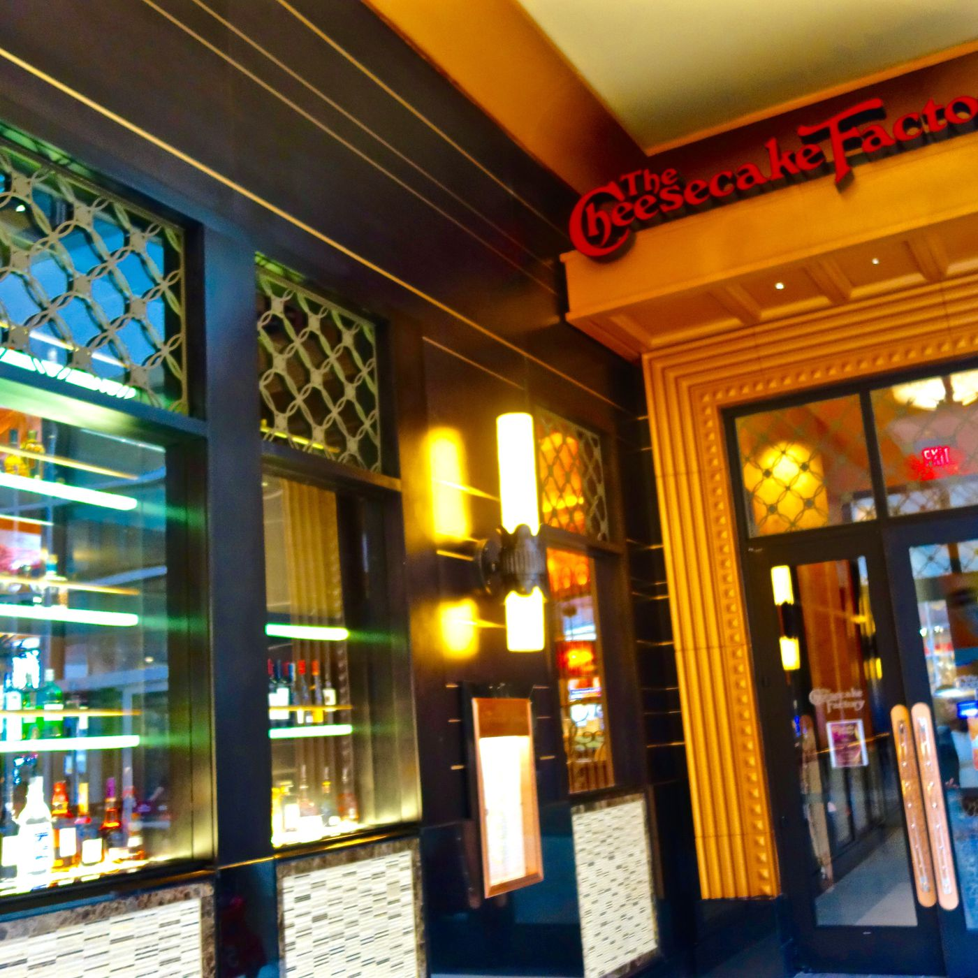 Cheesecake Factory NYC Is Now Open In Queens Center Mall - Eater NY