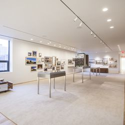 This section comes with a model of the development as well as photos of Isay Weinfeld's other projects.