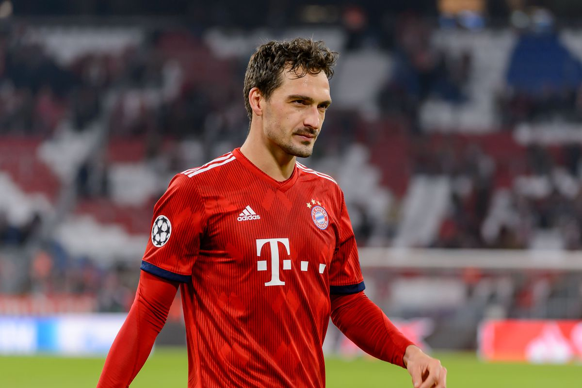 FC Bayern Muenchen v AEK Athens - UEFA Champions League Group E MUNICH, GERMANY - NOVEMBER 07: Mats Hummels of Bayern Muenchen looks on during the Group E match of the UEFA Champions League between FC Bayern Muenchen and AEK Athens at Allianz Arena on November 7, 2018 in Munich, Germany