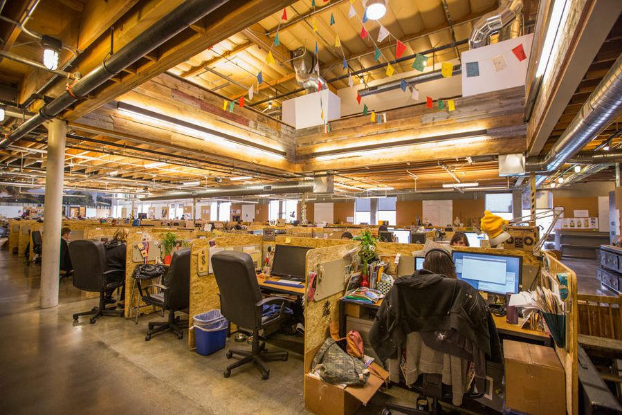 There Are Roximately 380 Employees At The La Hq And Open E As Opposed To Individual Offices Encourages Free Flow Of Collab Energy