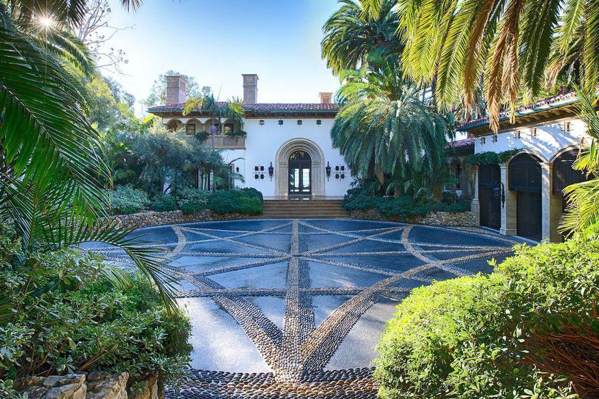 beyoncé and jay z reportedly renting lavish malibu estate for 400k
