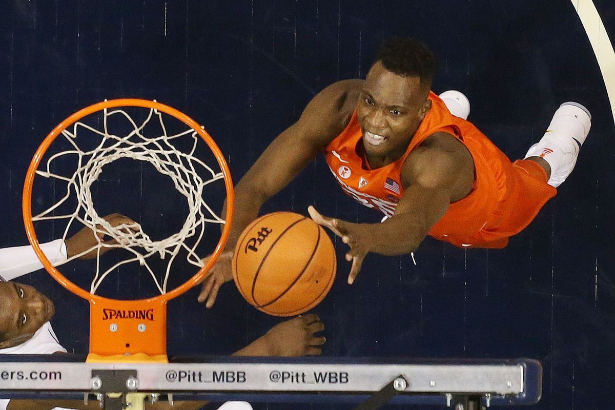 Syracuse Men S Basketball Center Bourama Sidibe Looking For A