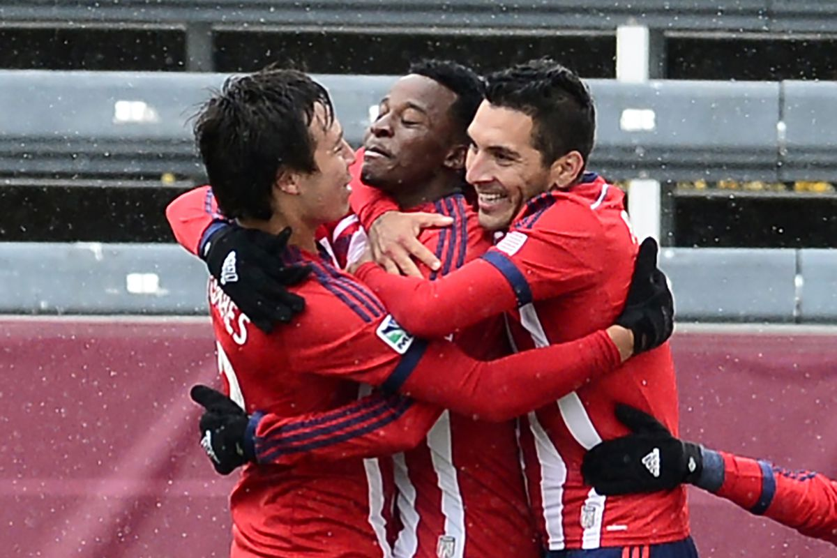 Cubo (left) and Chavez (middle) will line up on opposite sides on Thursday.