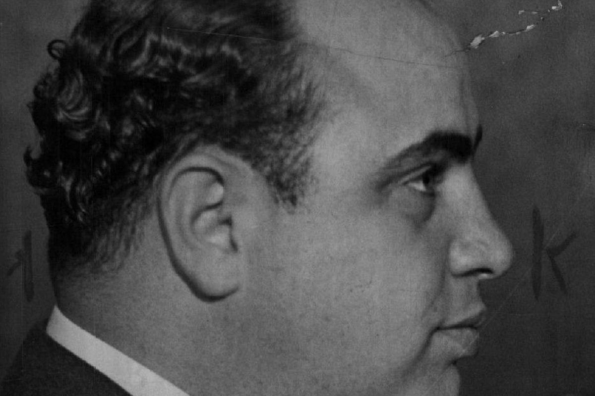Al Capone, He regarded his headquarters town of Cicero as his own. He rode in an armored car. He had numerous picked gunmen as bodyguards.