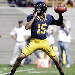 California quarterback Zach Maynard throws against Arizona State during the first half of an NCAA college football game in Berkeley, Calif., Saturday, Sept. 29, 2012. (AP Photo/Marcio Jose Sanchez)