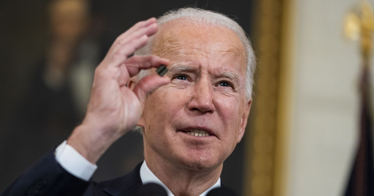 """Biden launches airstrikes against Iran-backed militias in Syria to""""send a message"""""""