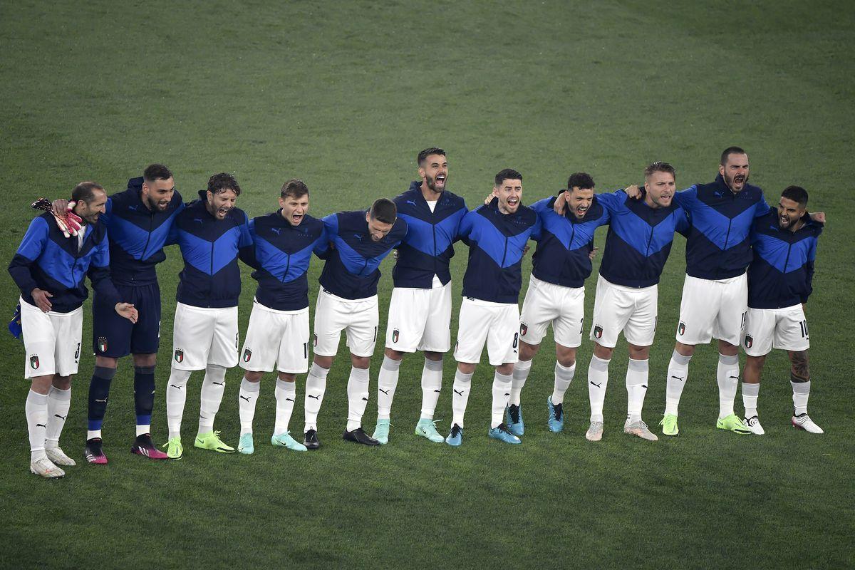 Italy players Giorgio Chiellini, Gianluigi Donnarumma,...