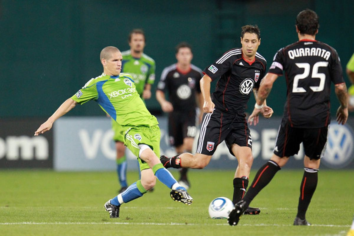 Osvaldo Alonso was a real difference-maker against DC United. The Sounders are hoping it's a preview of things to come down the stretch.