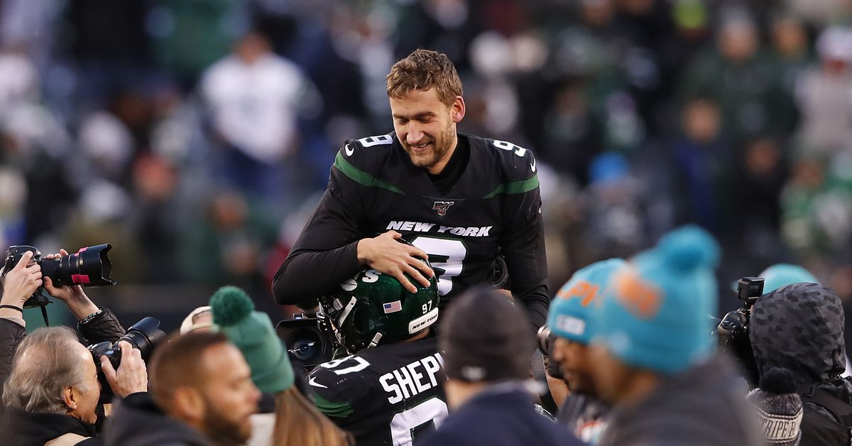 Jets 22 Dolphins 21: Survival