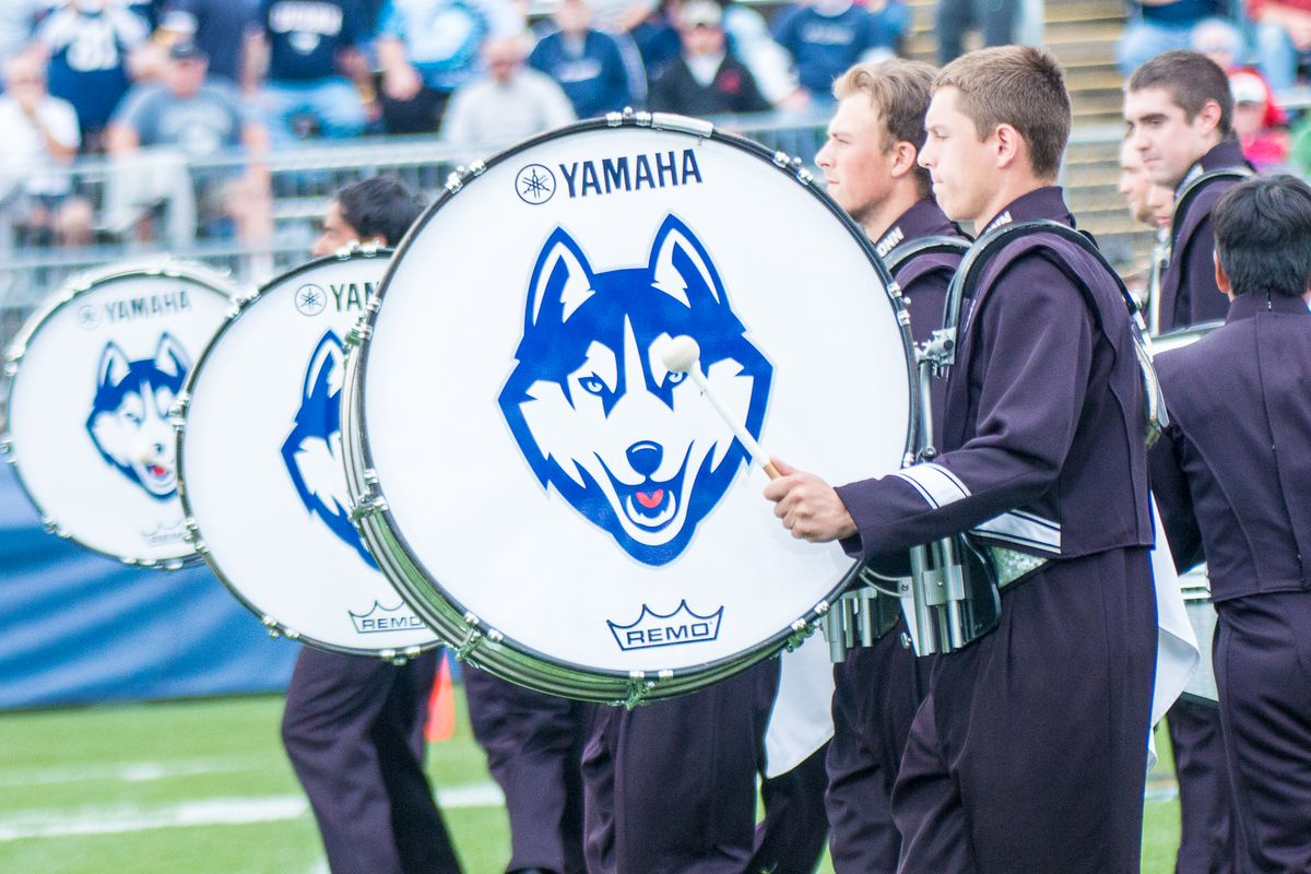 Photos-FB: Cincinnati Bearcats vs UConn Huskies - 10/8/16
