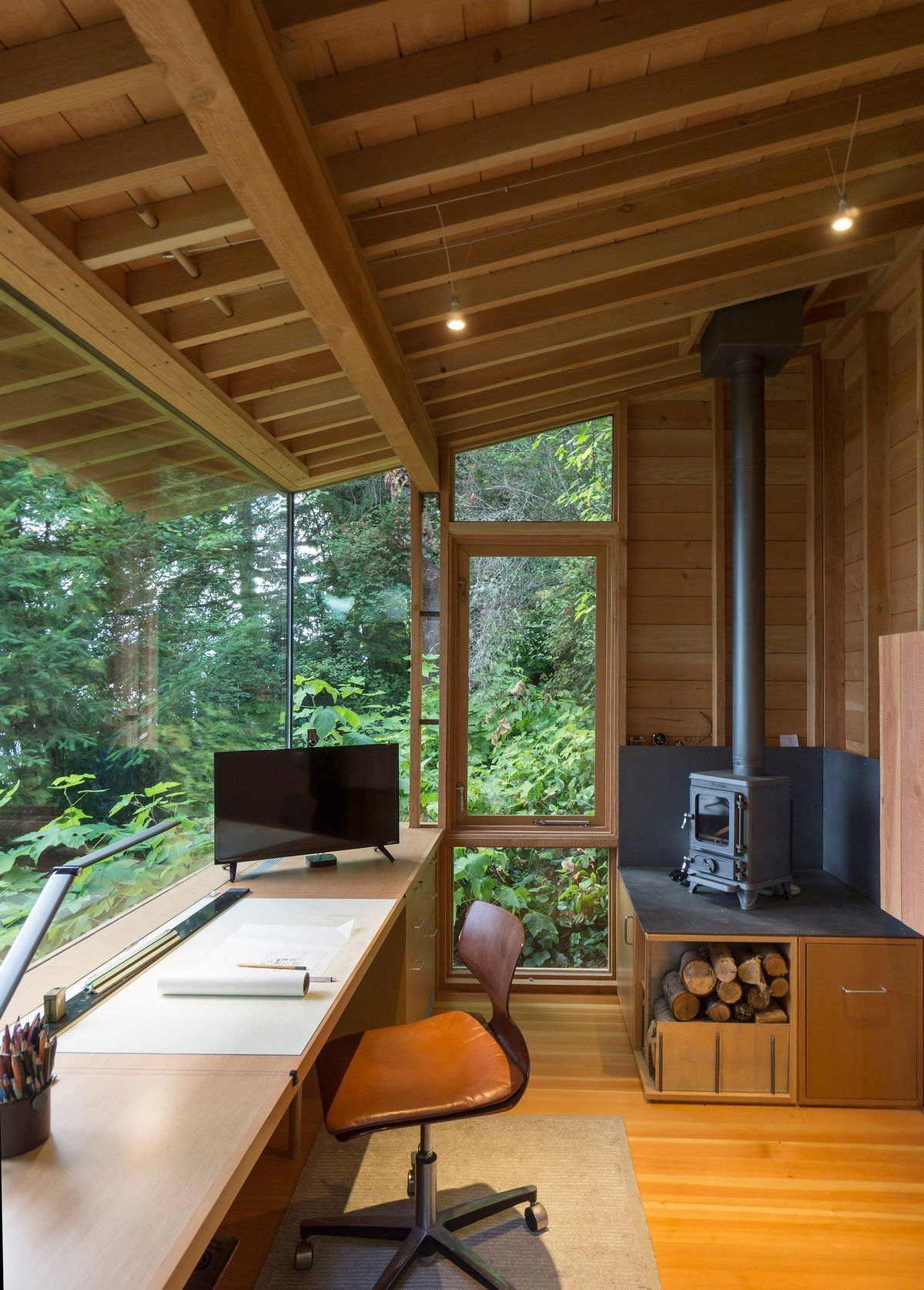 Architect's studio doubles as a hangout for his daughter