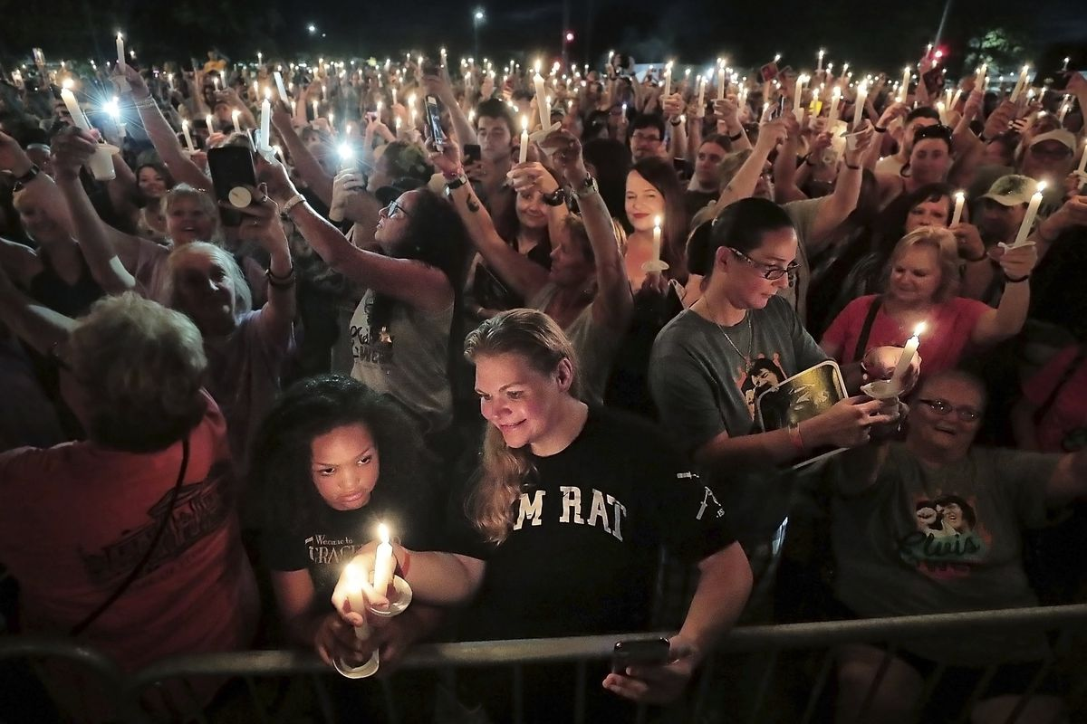 Elvis Presley fans flock to Graceland for annual candlelight vigil of his passing