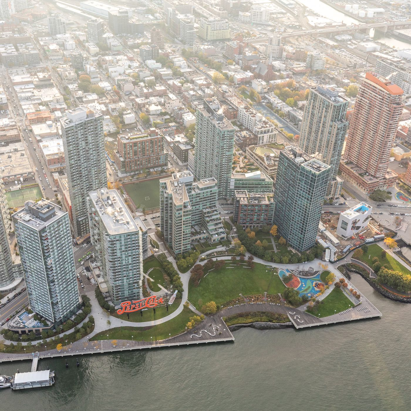 Long Island City's thousands of incoming apartments, mapped