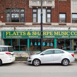 Flatts and Sharpe Music Company at 6749 N. Sheridan in Rogers Park is adjusting to the coronavirus pandemic by offering online music lessons to students and online shopping to customers. | Annie Costabile/Sun-Times