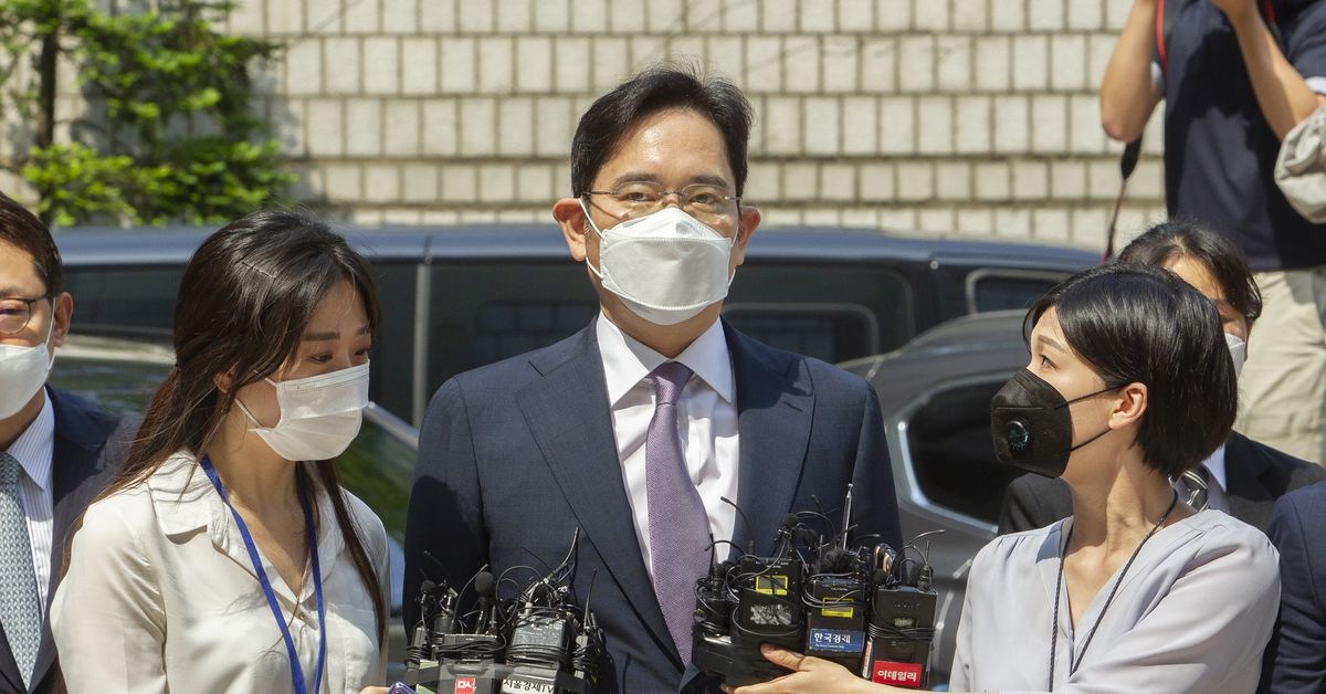 Samsung heir Lee may be arrested soon on new corruption charges thumbnail