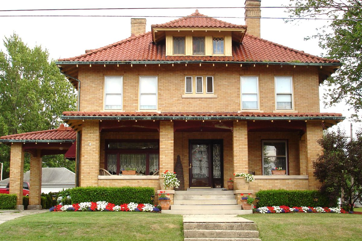 3 american foursquare houses you can buy right now   curbed