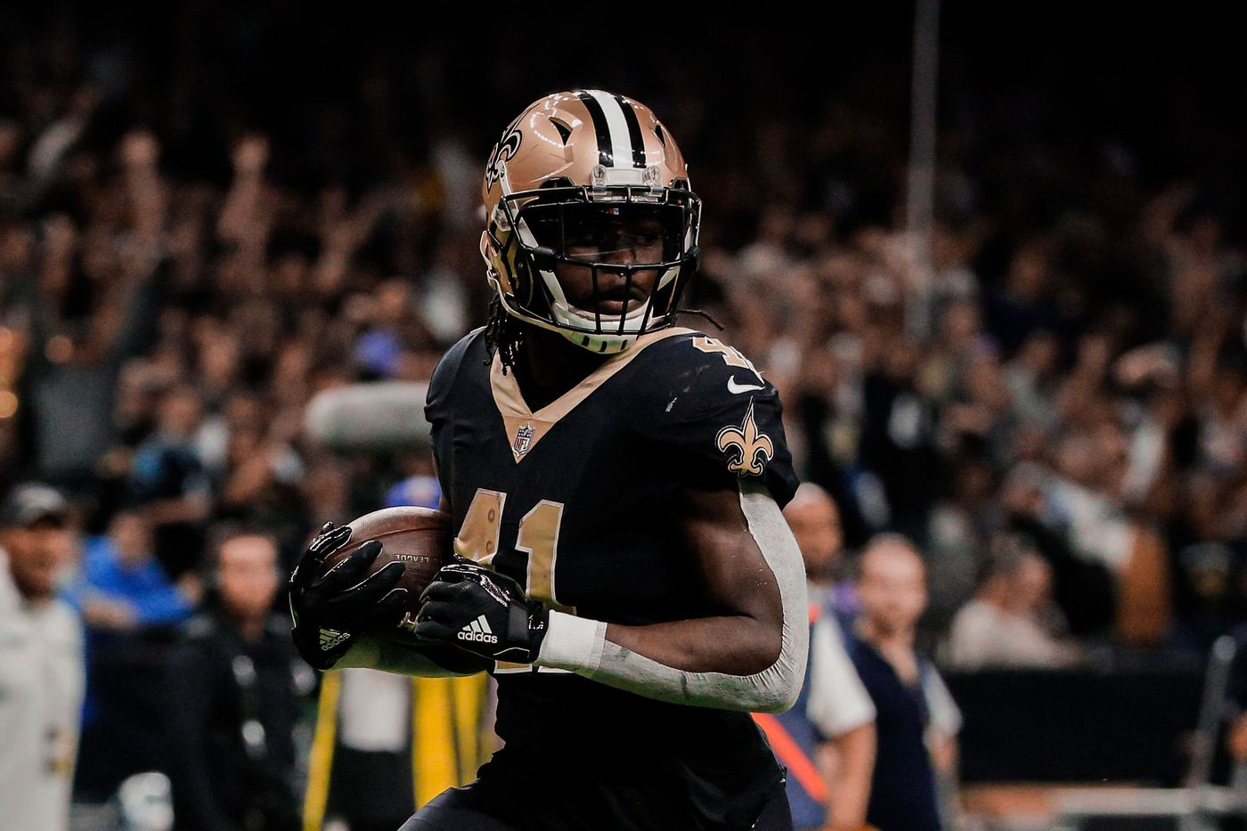 official photos 3de18 2b43e Alvin Kamara walks to and from Saints games at the Superdome ...