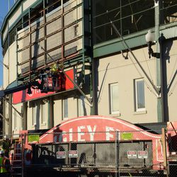 3:25 p.m. Workers now begin to remove the last segment of the marquee -