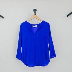 "Amanda Uprichard Sharon Top, <a href=""http://shop.thistleclover.com/collections/tops/products/amanda-uprichard-royal"">$189</a>"