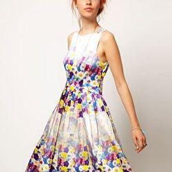 "<a href=""http://us.asos.com/ASOS-SALON-Floral-Midi-Prom-Dress/y5ozg/?iid=2203373&cid=12921&sh=0&pge=0&pgesize=20&sort=-1&clr=Print&mporgp=L0FTT1MvQVNPUy1TQUxPTi1GbG9yYWwtTWlkaS1Qcm9tLURyZXNzL1Byb2Qv"">Salon floral midi prom dress</a>, $208.74"
