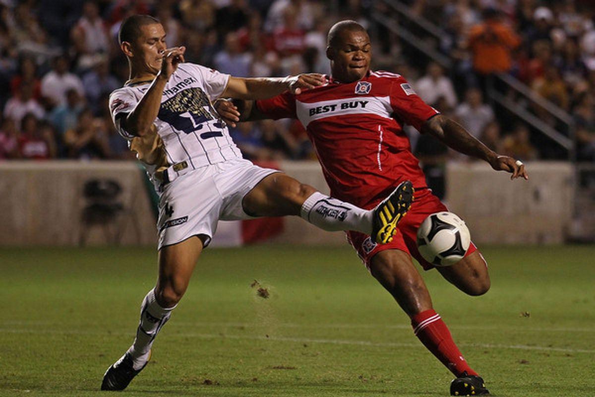 Pumas defender Dario Veron showed the strength of the team's backline on Saturday.