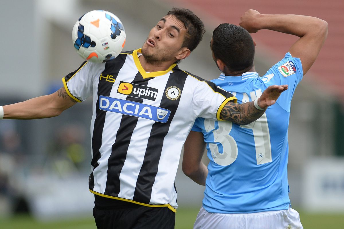 I this picture purely for Pereyra's derp face, even if he doesn't play for Udi any more.