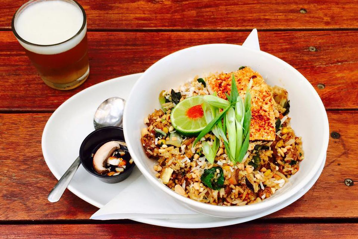 Beer and Thai fried rice from Cenote
