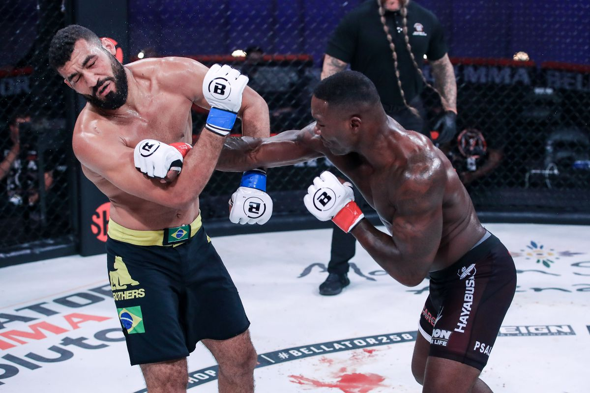A spectacular KO by Anthony Johnson at Bellator 258 against Jose Augusto.