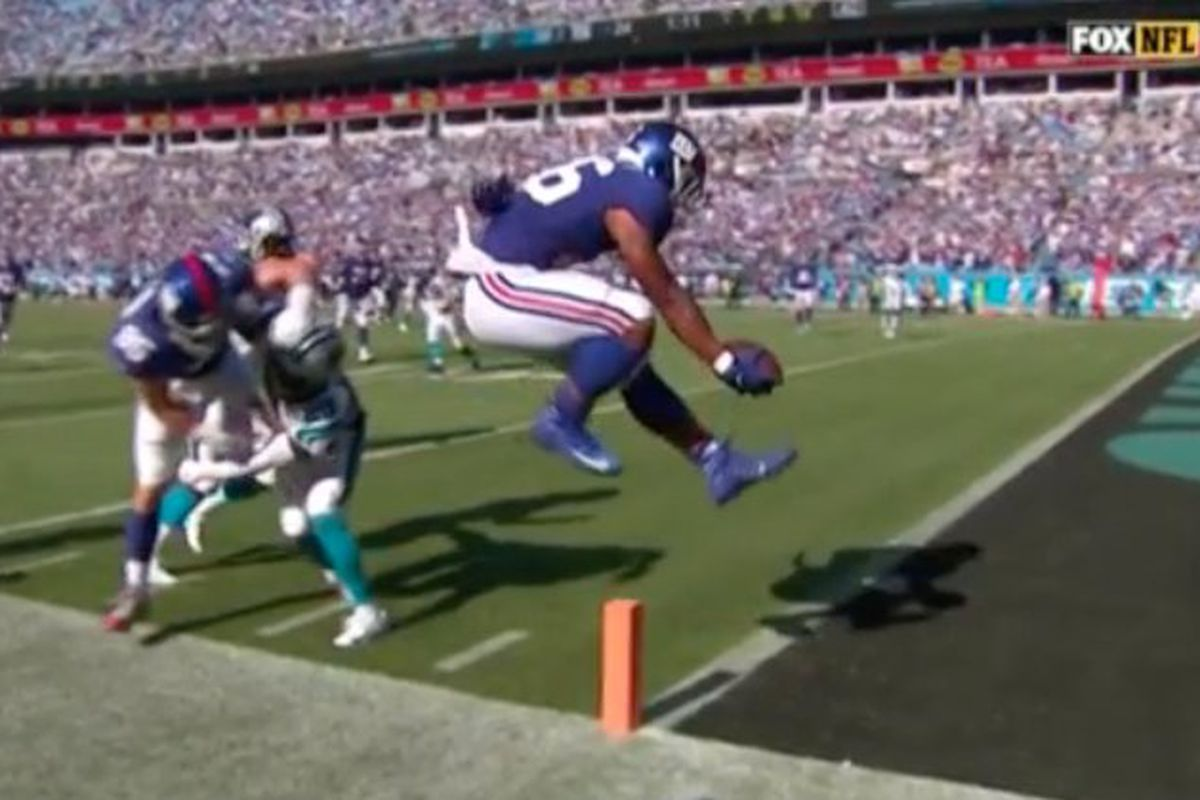 e4a1fe8a A 15-yard touchdown pass to Saquon Barkley in the final minute of  regulation should've been a game-winner for the New York Giants.