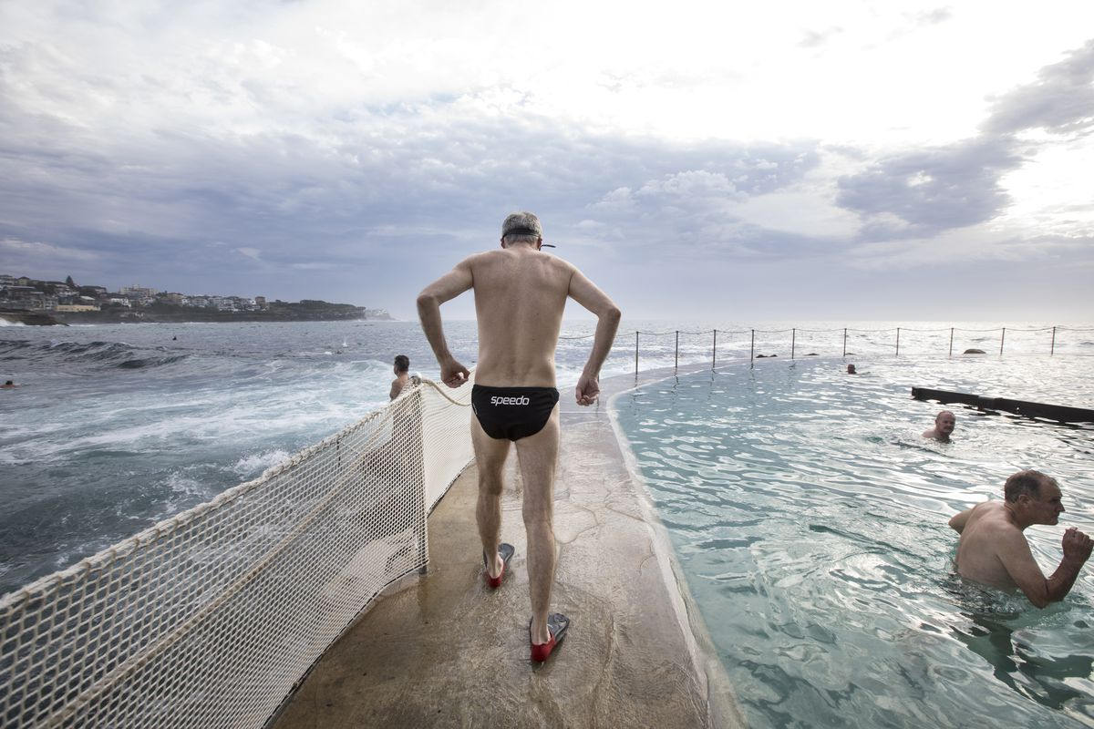 Sydneysiders Attempt To Keep Cool As NSW Heatwave Continues