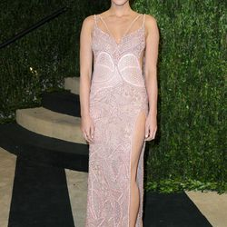 OMG, Olivia Munn. That is some seriously revealing Versace.