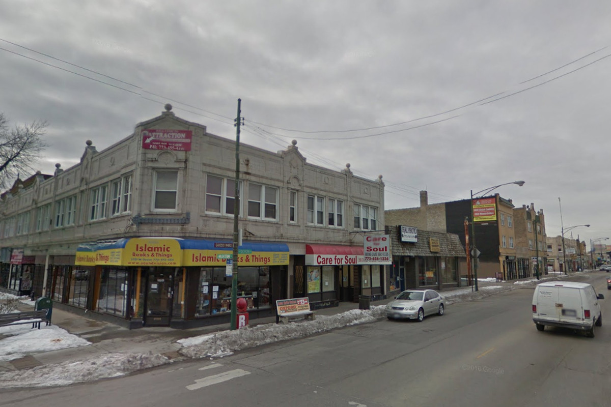 Police are warning residents about a pair of carjackings reported since Jan. 1, 2020, in West Rogers Park, including in the 2700 block of West Devon Avenue.