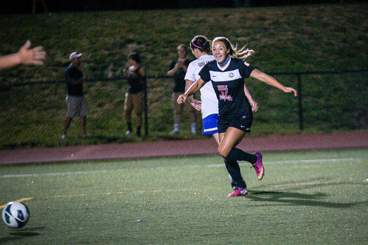 Courtney Jones goal two minutes after subbing on gives FC Kansas City the win