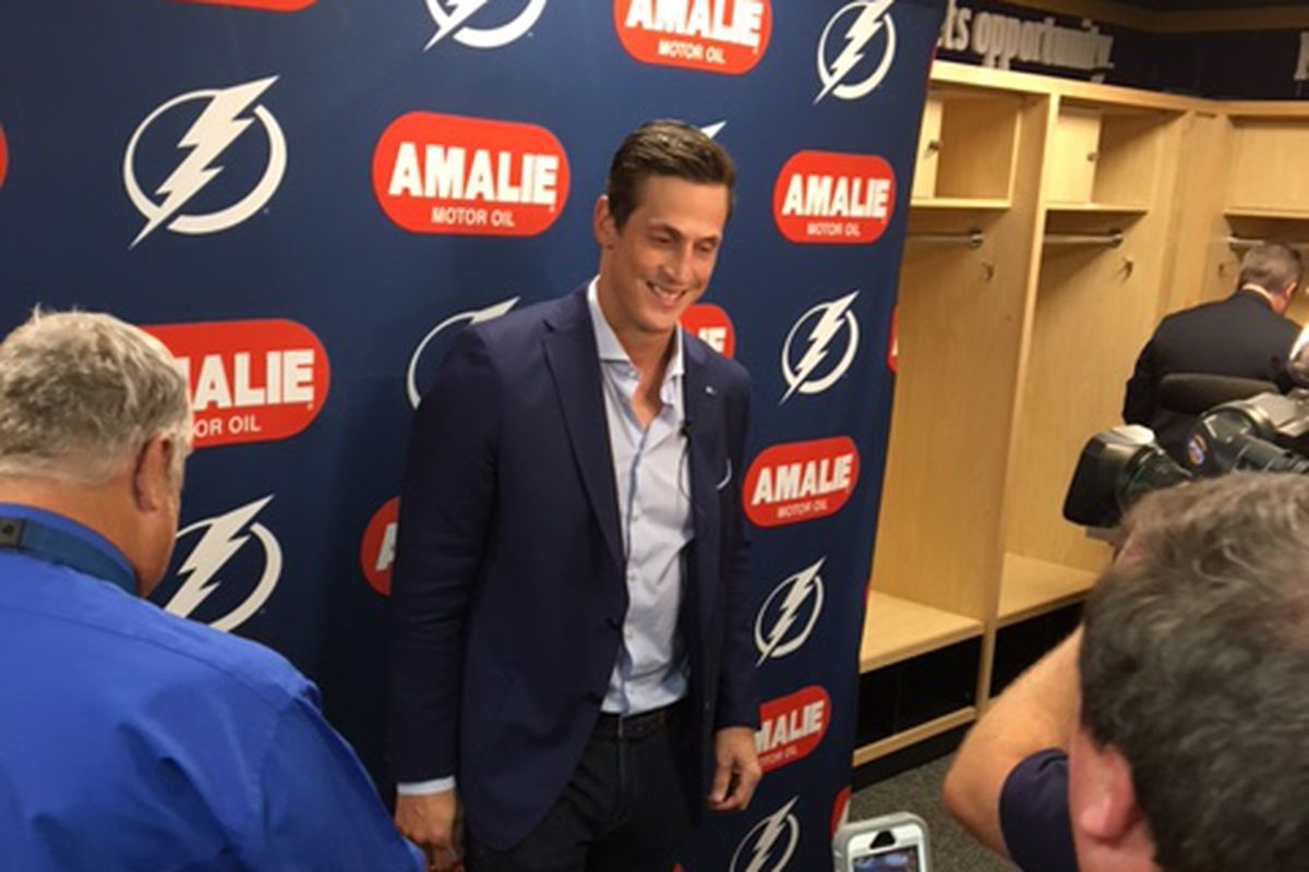 Vinny Lecavalier meets his old pals with the media in his return to Amalie Arena Tuesday night