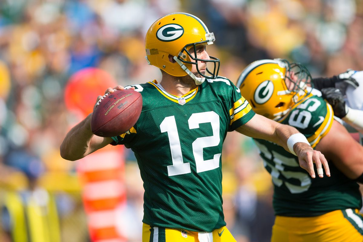 what is the spread of the new york giants green bay packers football game