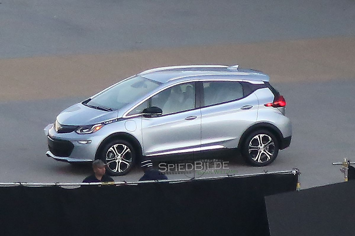 Chevy S All Electric 2017 Bolt Spied Ahead Of January Debut