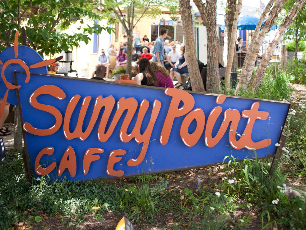 Sunny Point Cafe sign